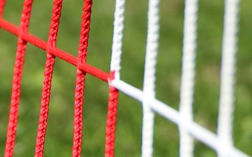 Zweifarbiges Netz für Fußballtore 7,32 x 2,44 m in Rot-Weiß