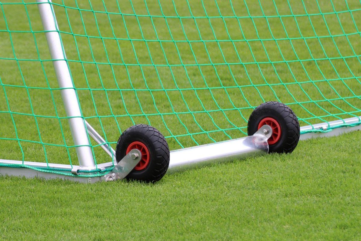 Fußballtor mit Kippsicherung von artec Sportgeräte