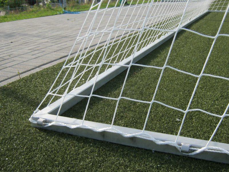 Verstellbarer Bodenrahmen für Fußballtore von artec Sportgeräte