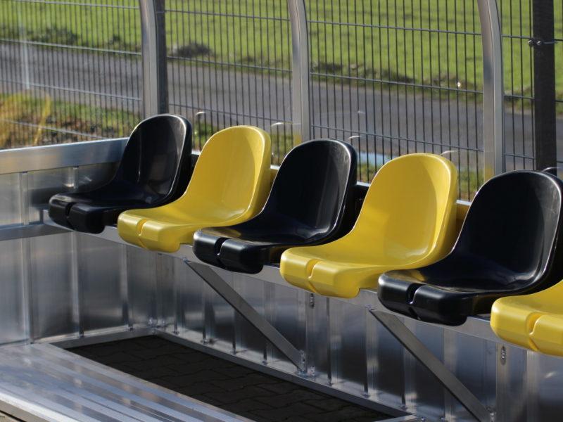 Sitzschalen für Spielerkabinen von artec Sportgeräte