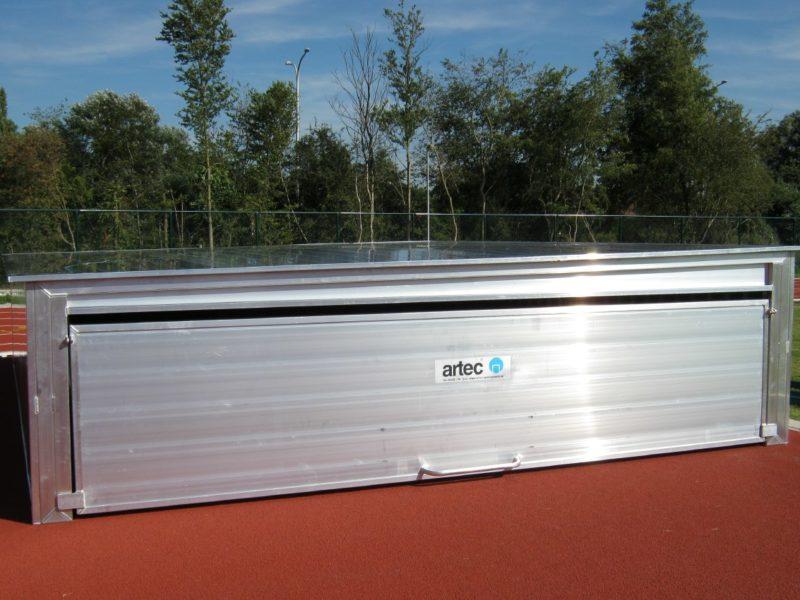 Stationäre Abdeckung für Hochsprungmatten aus Aluminium
