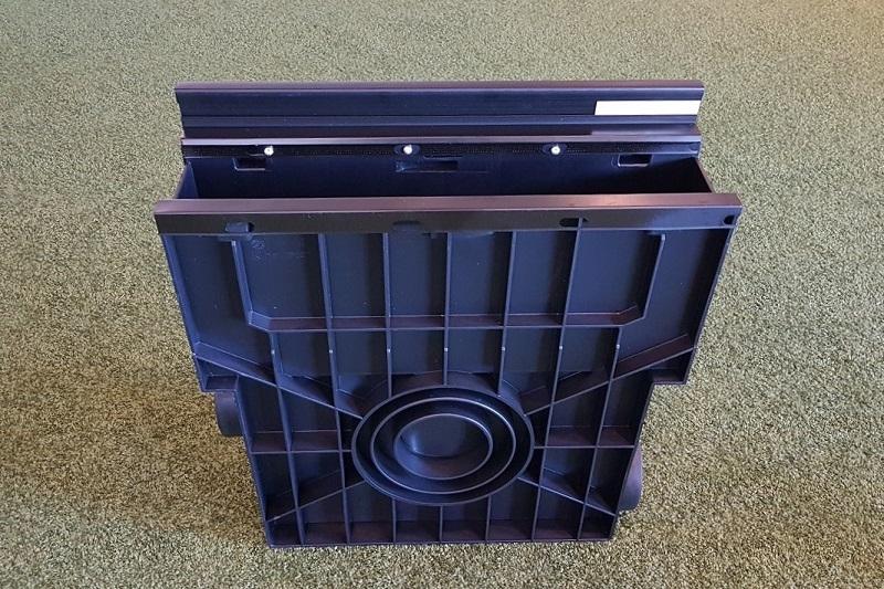 Einlaufkasten mit Rasenkante, aus Kunststoff mit seitlicher Drainageanschlussmöglichkeit von artec Sportgeräte