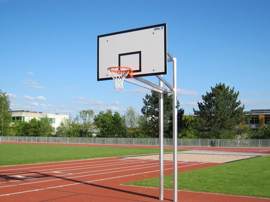 Zweimast-Basketballanlage aus Alu