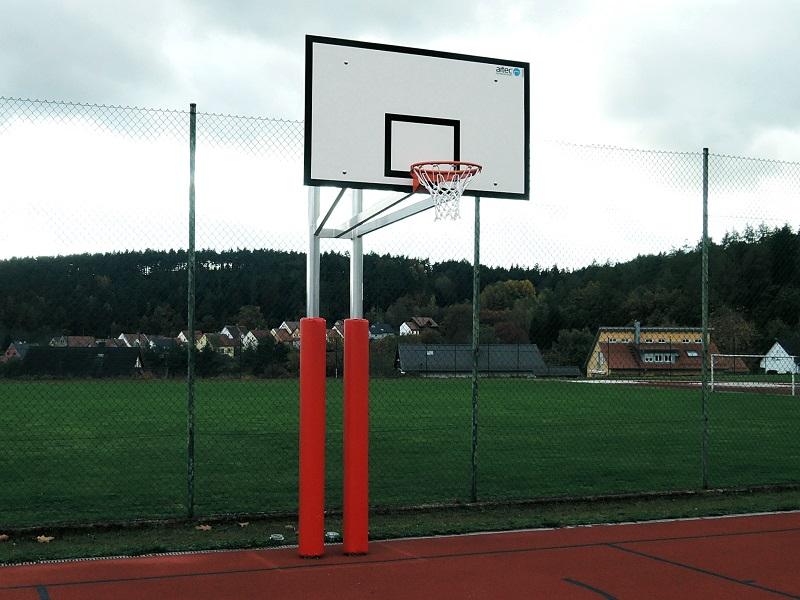 Zweimast-Basketballständer aus Alu