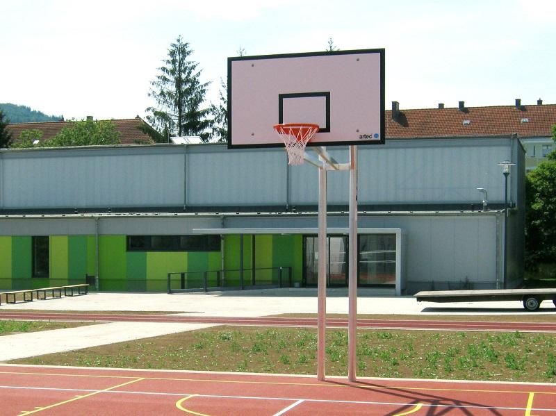 Zweimast-Basketballständer aus Aluminium