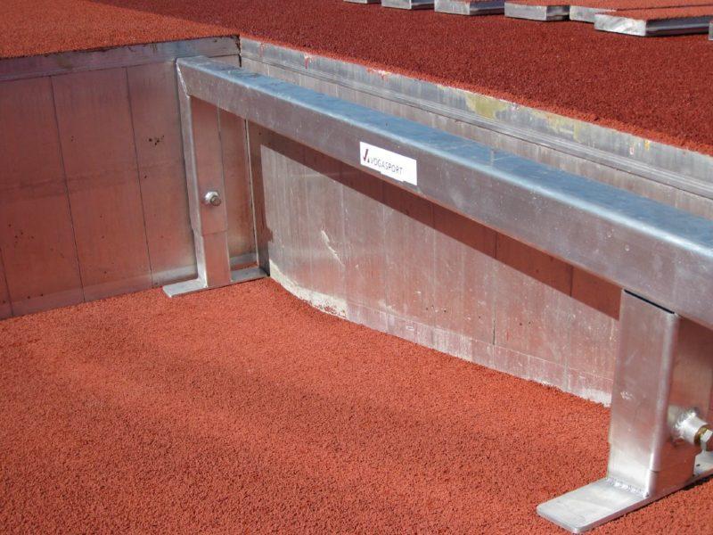 Auflageböcke für Wassergraben-Abdeckung aus Alu