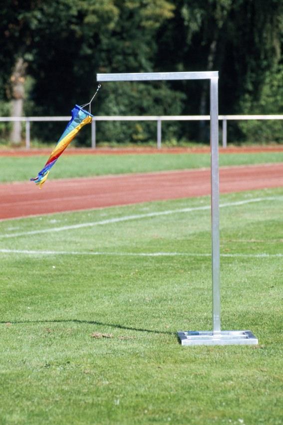 Windkontrollständer aus Aluminium mit Windsack von artec Sportgeräte