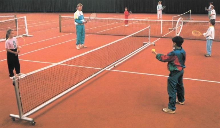 Kleinfeld-Tennisanlage aus Aluminium, fahrbar