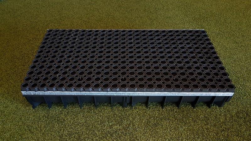 Sandfangrinne für Sprunggruben aus Kunststoff