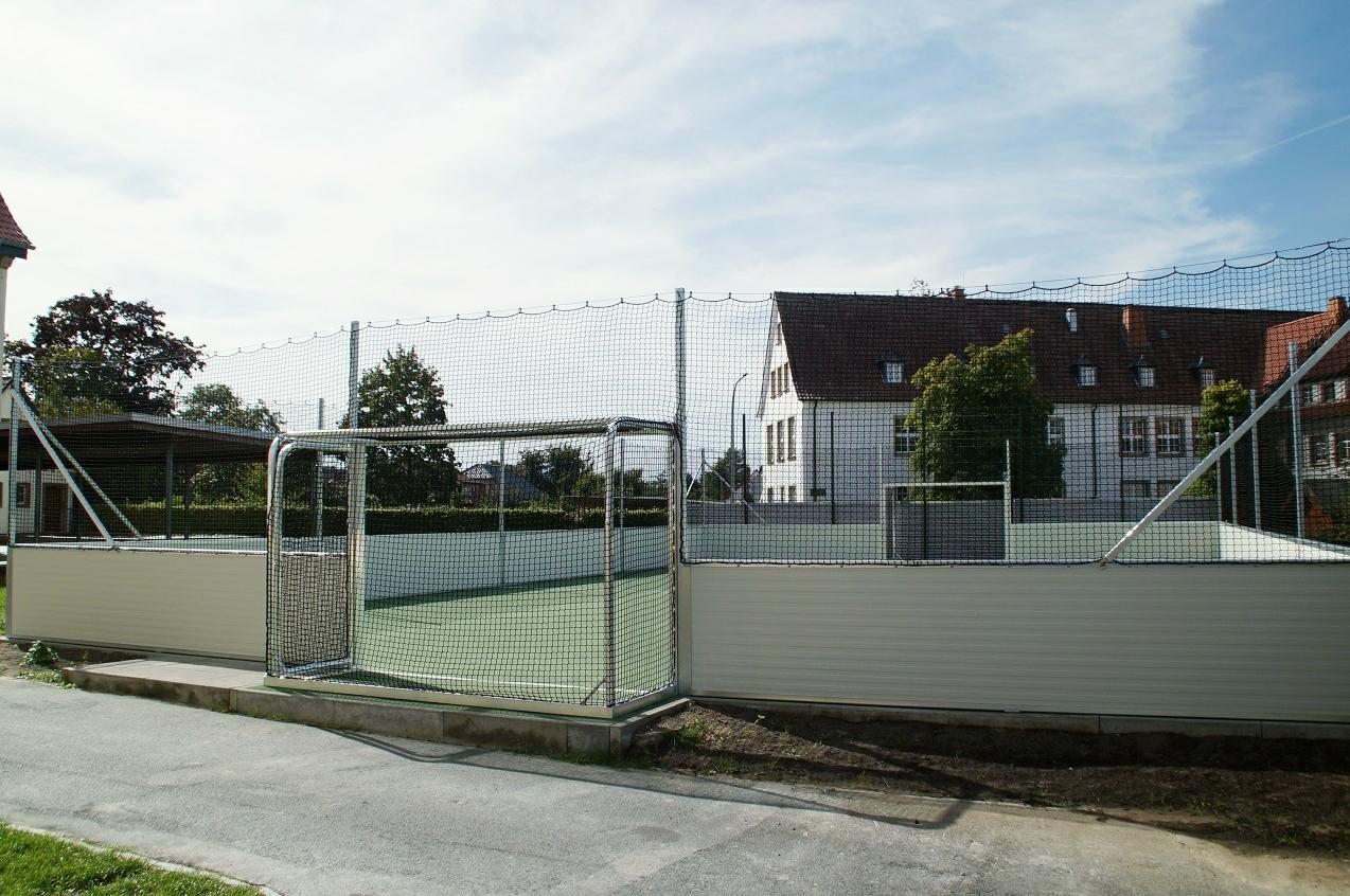 Soccer Court aus Stahl
